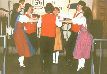 Old World Village Oktoberfest Dancers