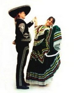 Mexican folclorico dancers for Cinco de Mayo